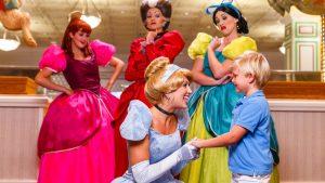 Celebre o aniversário de 70 anos de Cinderela em experiências mágicas pelo Walt Disney World Resort