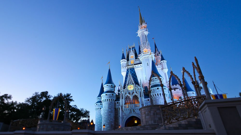 Walt Disney World Resort e Disneyland Resort ficarão fechados por tempo indeterminado