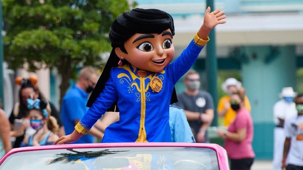 Mira, star of the hit Disney Junior series Mira, Royal Detective, recently paid a visit to Walt Disney World Resort