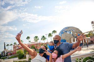 O Universal Orlando Resort está orientando  - sem obrigatoriedade - o uso de máscaras em ambientes internos